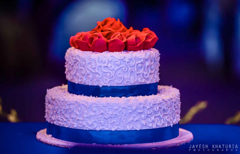 wedding cake for bride and groom